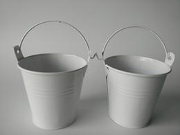 Baldes de estanho brancos on-line-D7.5 * H7.5CM Mini Balde Branco baldes potes de lata vaso de Flores Do Chuveiro de Bebê Favor de partido plantador de Suculentas Favor do Casamento titular