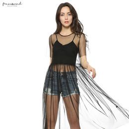 Черное короткое платье прозрачное онлайн-Женщины Прозрачный Mid-теленок Black Mesh плиссированные сексуальное платье с коротким рукавом O шеи Vestidos Женщины моды Марка плиссированные платья Qz2699