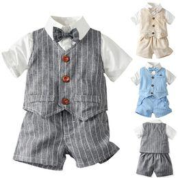 Vestito giubbotto bambino online-MUQGEW Toddler Baby Boy Set Gentleman Papillon T-Shirt Plaid Striped Gilet + Pantaloncini Bambini Cloth Outfit Vetement Enfant Fille
