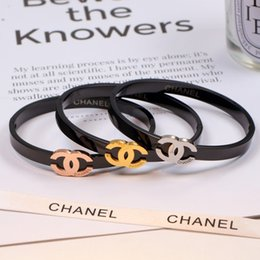 Simple Lettre Balck Retour De Luxe Bracelets Amant De La Mode Personnalité Marque Bracelets Unisexe Designer Cadeaux Femmes Hommes Bracelet ? partir de fabricateur