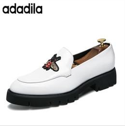 Starker unteres Kleid Schuhe Luxus italienischer Art Mode Männer Formelle Schuhe Mens Trend Bee Muster Bringen Leder