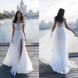 Alto slit vestidos on-line-2019 Praia Fora Do Ombro A Linha de Vestidos de Casamento Nova Coxa Alta Fendas Vestidos De Noiva Chiffon Rendas Apliques vestido de novia