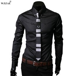pulsanti fotografici personalizzati Sconti WEAE 2018 Nuovo arriva Brand New Designer da uomo Dark Stripes Dress Shirts Top Casual Slim lunghe camicie Plus Size M a 5XL # 388935