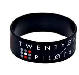 Pulseras de banda de rock online-1 pulgada de ancho veinte pilotos de silicona pulsera banda de rock decoración pulsera