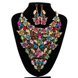 2019 colgante multi gema Granos africanos sistemas de la joyería para las mujeres accesorios de la boda nupcial de cristal colgante de collar llamativo pendiente de resina joya conjunto de joyas rebajas colgante multi gema