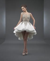 2019 vestidos de novia blanco sexy recepción Blanco 2019 Vestidos de cóctel elegantes Una línea Scoop Frente corto Largo Trasero Apliques Fiesta de encaje Más tamaño Vestidos de regreso a casa vestido de festa