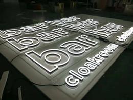 O aço inoxidável 3d exterior conduziu a placa iluminada do sinal do nome da loja do logotipo da letra de