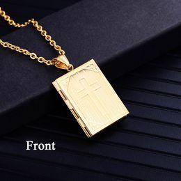 Medallón religioso online-Religioso Locket cruzado collar colgante de plata oro Color marco de fotos collar de memoria para mujeres / hombres regalo de Navidad venta caliente