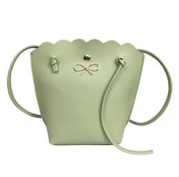 bolsas de regalo de tela de encaje Rebajas Verano nuevo un hombro diagonal mini cubo señoras bolsa de encaje ondulado arco regalo bolsa Tela textura PU forro textura