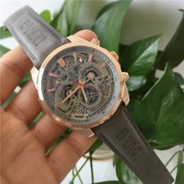2019 orologi di qualità orologi Un orologio da uomo di alta qualità di marca TAG uomini moda sportiva cronografo orologio da uomo orologio automatico calendario 43 mm