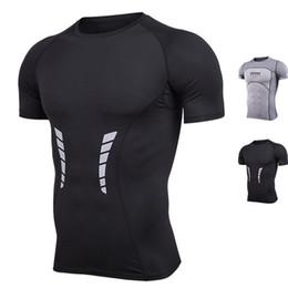 Venta caliente Camisas Deportivas Hombres de Verano de secado rápido Wicking Correr Camisetas Entrenamiento de Compresión Transpirable Deportes Fitness Gym Shirts desde fabricantes