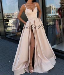 2019 robes de soirée en soirée New Ivoire Sexy Front Split Robes De Soirée De Longueur De Plancher De Bal Robes De Fête Spaghetti Robes Occasion 2019 pas cher