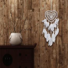 2019 ciotole di porcellana bianco New Heart Shape LED Dream Catcher Lace Dreamcatcher Wind Chimes Piuma Bead Hanging Decoration Ornamento Regalo di San Valentino