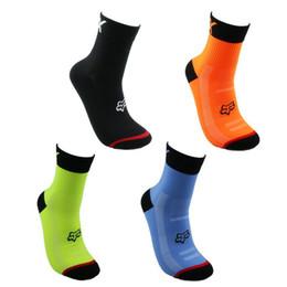 Meias de bicicleta de montanha on-line-Mountain bike meias de ciclismo 6 cores correndo caminhadas esportes meias de fibras acrílicas meias de basquete ao ar livre para adulto 5yk e1