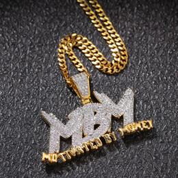 colgantes vikingos al por mayor Rebajas MBM circón Carta heló hacia fuera el collar pendiente de la joyería para hombre de dos tonos joyería 14K chapado en oro de Bling del diamante de Hip Hop de regalo con 24inch cubana Lin