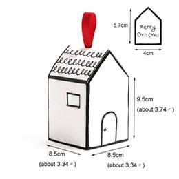 Set di 20 scatole regalo a forma di casa Scatola di caramelle per dolci con nastro rosso Tag di buon Natale Bomboniere e regali Scatola Forniture per feste da
