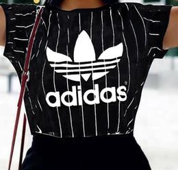 98b0efb9b6 2019 camiseta de verano para mujer Ropa de diseño de lujo Tops Camisetas  casuales Negro manga corta blanca cuello redondo camiseta para mujeres