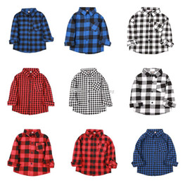 2019 muchachas a cuadros camisetas niños Baby Boys Girls Classic Plaids Camisa niños celosía Blusas de manga larga Casual Outwear Algodón Abrigo Niños Ropa 9 colores C5781 muchachas a cuadros camisetas niños baratos