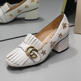 2019 новый толстый с дамы одиночные туфли изысканные щедрые повседневная обувь туфли высокого качества кисточкой пчелиная кожа GG бренд оригинальный qe от Поставщики охотничьи сапоги