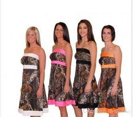 Argentina 2019 mini vestidos de dama de honor cortos de camuflaje una línea de dama de honor de las niñas sin tirantes para vestidos de fiesta de bodas más el tamaño inferior a 100 cheap mini camo dress Suministro