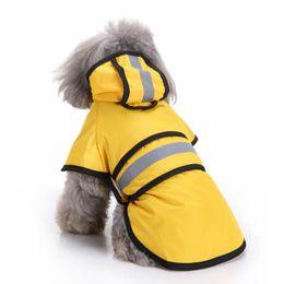 2019 abrigos fbi Impermeable para mascotas de moda para perros pequeños, raya reflectante, chaqueta para la lluvia con capucha, 100% poliéster, lluvia para perros, poncho, equipo de lluvia perfecto para tu mascota