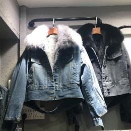 Abrigo de cuello de piel de zorro azul online-Invierno, Otoño, Nueva dril de algodón delgado de la chaqueta gruesa remiendo de piel de zorro cuello del abrigo Chaquetas Mujer Azul Negro