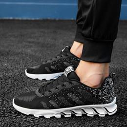 Frühling Herbst Mann Laufschuhe Schwarz Grün Männer Mesh Turnschuhe Atmungsaktiv Tracking Schuhe Rutschfeste Rüttelnde Männliche Turnschuhe von Fabrikanten