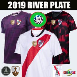 2019 maglie di piattaforma fiume 4 Conmebol 2018 2019 River Plate maglie calcio MARTINEZ PONZIO SCOCCO CASCO 19/20 River Plate Casa MARTINEZ PEREZ FERNANDEZ CALCIO Camicie maglie di piattaforma fiume economici
