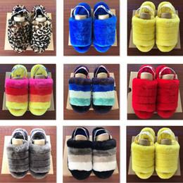 Sandalias lisas online-Mens Fluff Yeah Slide Moda de lujo de mujer diseñador sandalias Rainbow liso pantoufle amarillo zapatillas peludas zapatillas de deporte Hausschuhe diapositivas