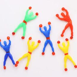 Pequenos brinquedos fofos on-line-9 cm Pequeno Parede De Escalada Spider Boy Brinquedos Herói Aranha Pegajosa Rolando Na Parede Bonito Engraçado Brinquedos de Entretenimento Crianças Pequenas Brinquedos L220