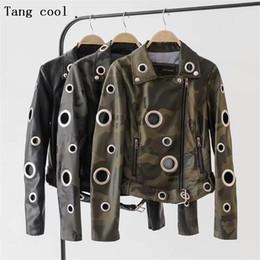 2019 chaqueta de cuero mujer punk rock 2019 Invierno Ojal camuflaje chaqueta de imitación de cuero de las mujeres capa de metal punk anillo de remaches de la motocicleta de la chaqueta de las mujeres de la calle Negro ciclista