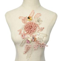 3d encajes rosas online-32 CM Tela 3D Flores Rosas Rhinestone Lentejuelas Apliques Encajes Bordados Malla Cosa en parches para la decoración de la boda vestido DIY