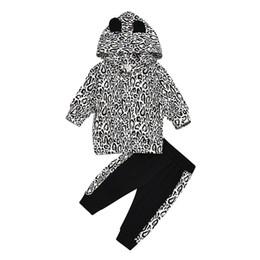 fatos de treino de leopardo preto Desconto camisola de impressão bebê crianças roupas vestuário crianças roupas de grife Rapazes Meninas Roupa do bebé Fatos Leopard com chapéu e calças pretas terno