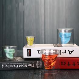 Kafatası Şeffaf Şarap Bardağı Kafatası Cam Atış Bira Cam Viski Gözlük Kristal İskelet Su Bardağı Yaratıcı Bar Parti Drinkware DBC DH1158 cheap crystal whiskey glasses nereden kristal viski gözlükleri tedarikçiler