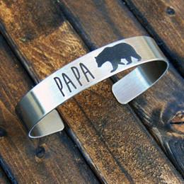 2020 braceleiras de ursinho de aço inoxidável Personalizado 8mm Cuff Bracelets Pulseiras Homens Mulheres de Aço Inoxidável Tom de Prata Personalizado Papa Urso Unisex Pulseras braceleiras de ursinho de aço inoxidável barato