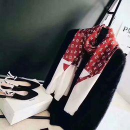 Molle zig zag online-Sciarpa di seta primavera 2019 donne calde lettera scialle sciarpa moda collo lungo anello regalo di Natale all'ingrosso 180x90cm