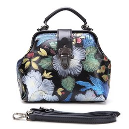 Handgemalte taschentaschen online-Frauen Top Griff Taschen Floral Tote Handtasche Handgemalte Echtes Leder Chinesischen Stil Geprägte Schulter Messenger Umhängetasche # 193685