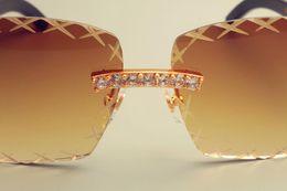 großhandel gravur brille Rabatt Großhandel-Gravur Objektiv 8300177 Sonnenbrille, Mode großen Diamanten Sonnenschirm Spiegel, reine natürliche Mischhörner Spiegel Beine Gläser