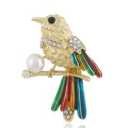 Gorriones regalos online-Comercio al por mayor Lindo Animal Esmalte Pin Broche Esmalte Con perla gorrión bufanda Ropa Pin de la solapa para las mujeres de señora Fashion Jewelry Regalo 3 color