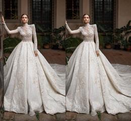 Lujosos vestidos de boda musulmanes online-2020 Lujosa Iglesia árabe musulmana de cuello alto Una línea Vestidos de novia Mangas largas Tul Apliques Lentejuelas Vestidos de novia ajustados Tallas grandes