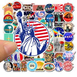 50 adet Yolculuk manzara kişilik grafiti NASA sticker su geçirmez Küçük Yuvarlak Sticker Karışık Araba Dizüstü Kaykay iPad Pvc Için çıkartmalar nereden