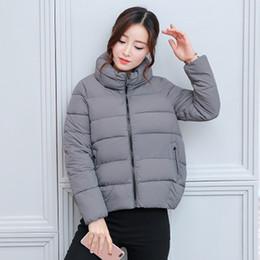 2019 abrigos de invierno de diseño coreano 2018 La nueva capa de Diseño otoño invierno coreano del estilo de las mujeres elegantes abrigos esquimales grueso Outwear la chaqueta de algodón acolchado forro Mujer CoatsM-2XL abrigos de invierno de diseño coreano baratos