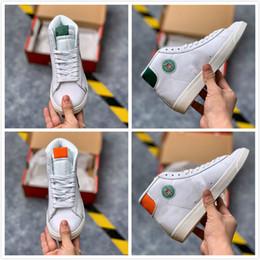 Venda de tênis de basquete on-line-2019 Blazer Mid x Hawkins High School de Sport Shoes Stranger Things basquete sapatos para homens sapatilhas do desenhista Formadores venda quente