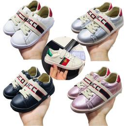 Chico cortado online-gucci Los niños pequeños zapatos de la zapatilla de deporte de cuero de corte As bajo la zapatilla de deporte de las muchachas de los niños grandes de cuero de la raya de