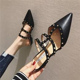корейская резиновая обувь для женщин Скидка 2019  New Spring Korean Style Fashion Platform Slippers Woman Shoes Pointed Shoes Rivet Slippers Flip Flops PU Rubber Tabi