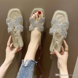 Breite stil schuhe online-Neue stil Diamanten Frauen Sandalen Designer Schuhe Luxus Rutsche Sommer Mode Breite Flache Glatte Sandalen Slipper Flip Flop größe 35-40 mit box