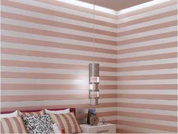 2019 розовый измеритель ткани 10 метров Ткань Mural обои современная полосатая стая обоев Papel де Parede Tapete 3D Roll Обои Бежевый / Розовый / Белый скидка розовый измеритель ткани