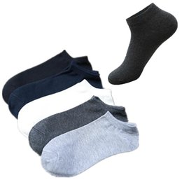 2019 sommer beiläufige kleiderstrümpfe Großhandel Socken Herren Damen Short Boots Brand Design Normallack-Kurzschluss-Socken-beiläufige Cutton Mischung Bequeme Teenager Socken