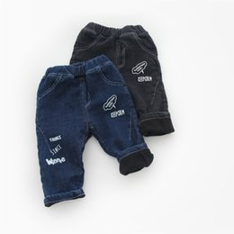 Canada WLG garçons filles hiver jeans épais enfants lettre imprimée denim bleu noir pantalons chauds bébé casual tout match jeans pour enfants 1-4T Offre