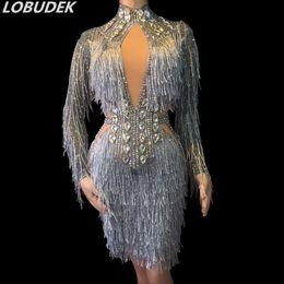 Sexy vestido de diamante corto online-Bling Rhinestones borlas de plata vestido sexy flaco cristal diamante vestido corto Lady Singer Party Dress Stage Wear cumpleaños Celebración Vestidos